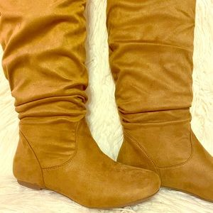 Brand new Tan Weeboo Scrunchy flat boots!